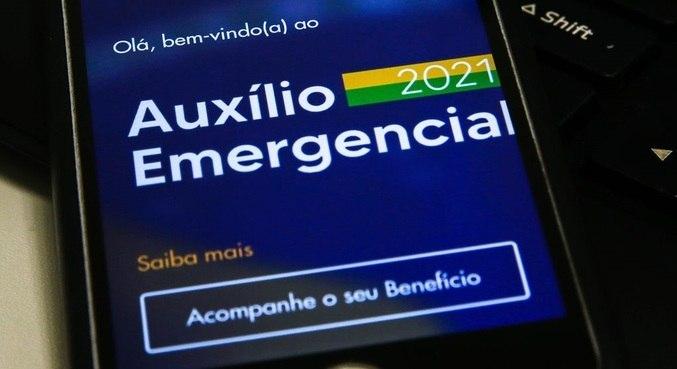 Governo notifica 650 mil pessoas para devolver o auxílio emergencial